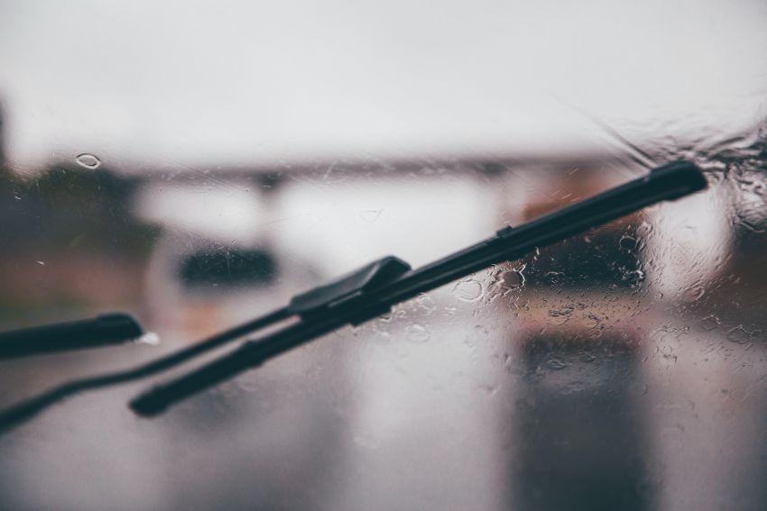 Kakovostne metlice za zadnji brisalec – kako jih izbrati?