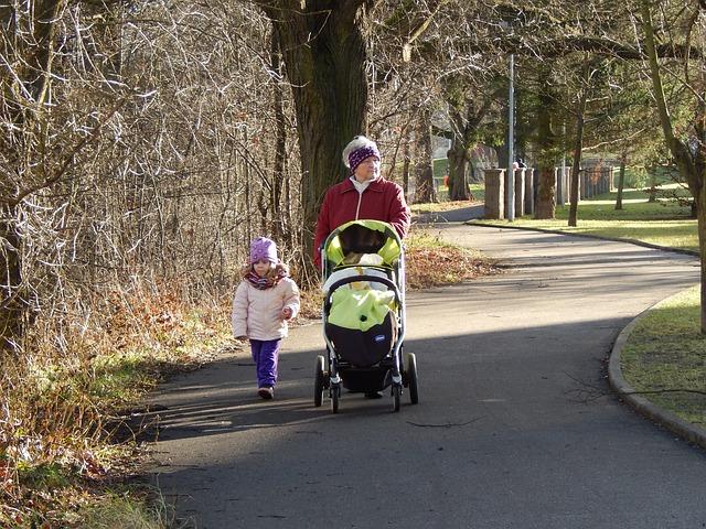 Otroški vozički – kako izbrati pravega za vašega otroka?